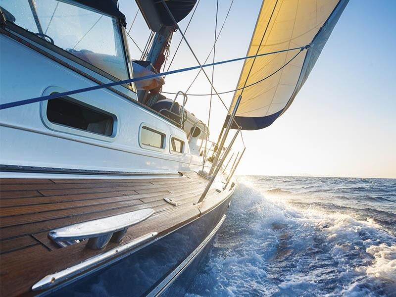 Medio día charter en velero Medio día charter Valencia Medio día charter en velero