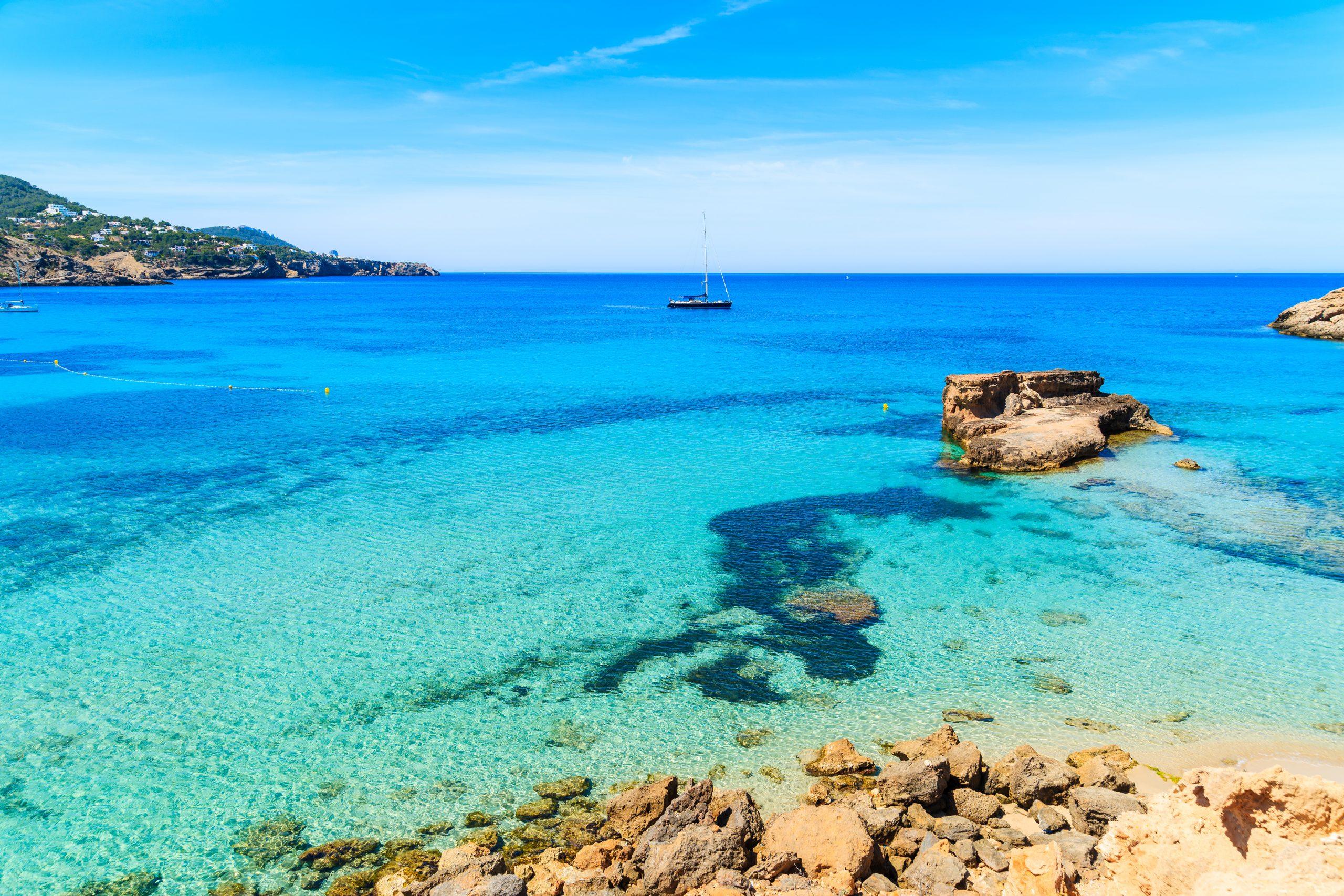 Vacaciones en velero LGTBI Puertos deportivos y restaurantes en Formentera
