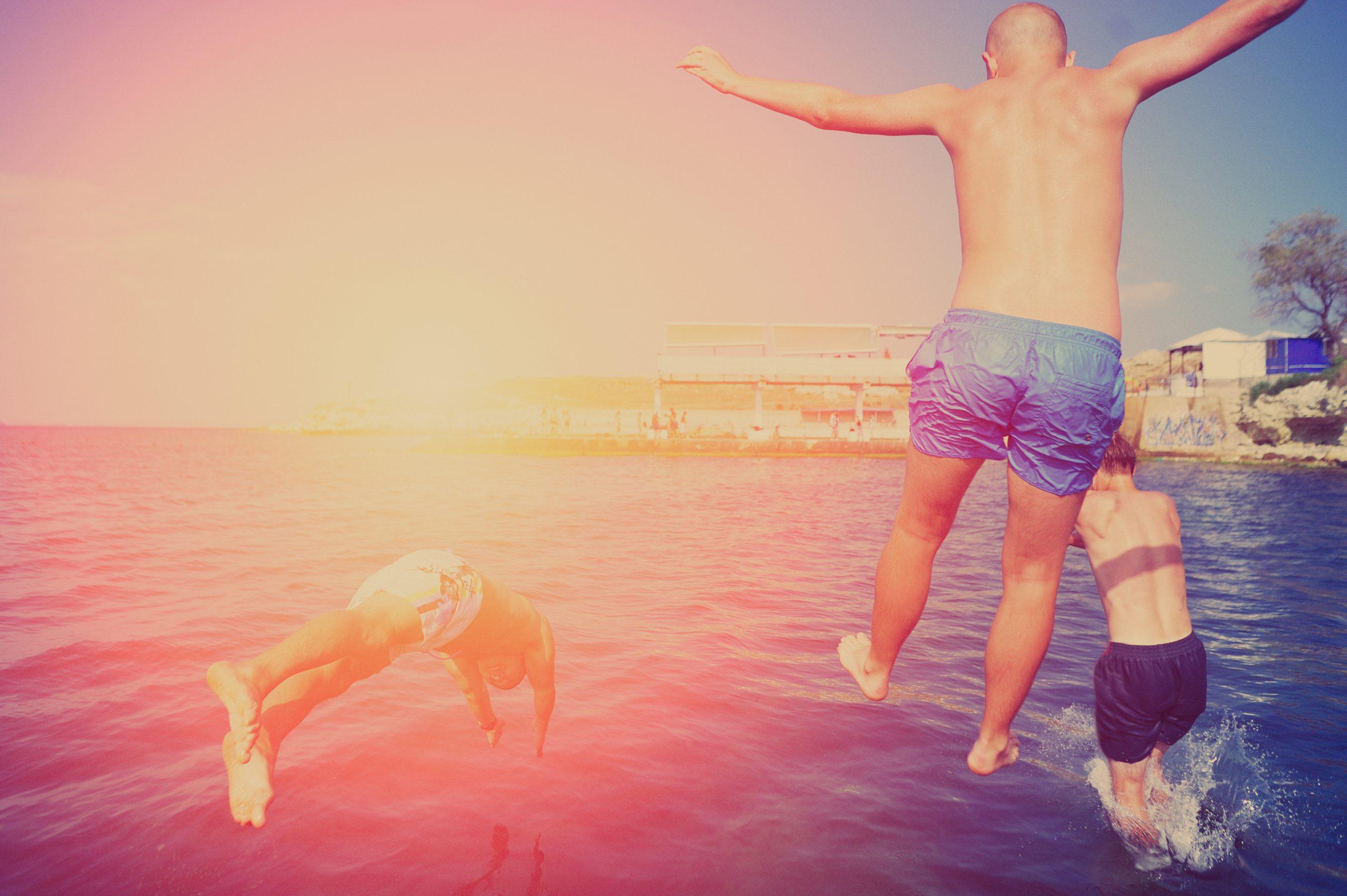 Vacaciones LGTBI en velero por Alicante Vacaciones grupos LGTBI en velero