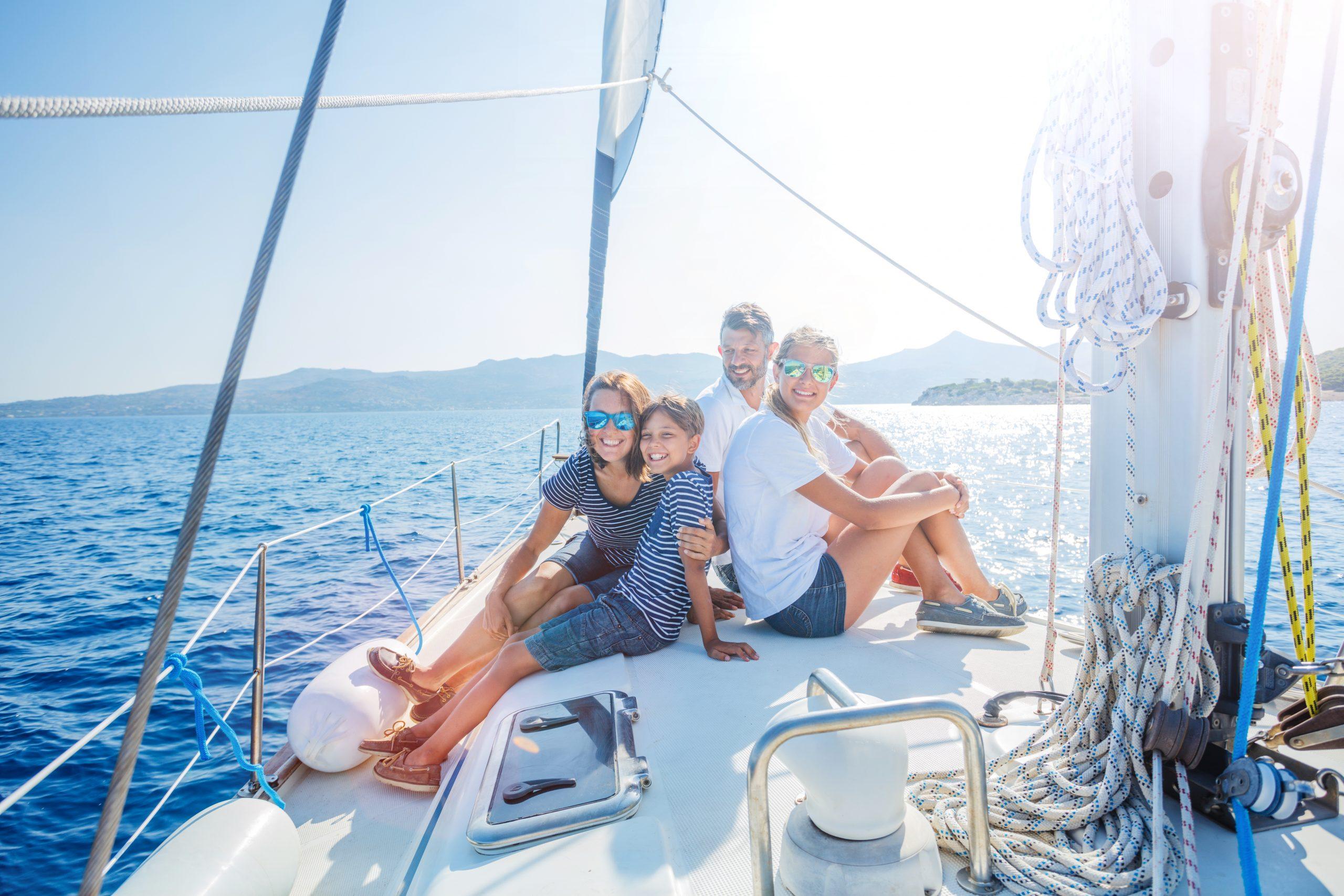 Charter Valencia/Ibiza en familia Vacaciones en velero familiar por Formentera Vacaciones en familia por la costa blanca