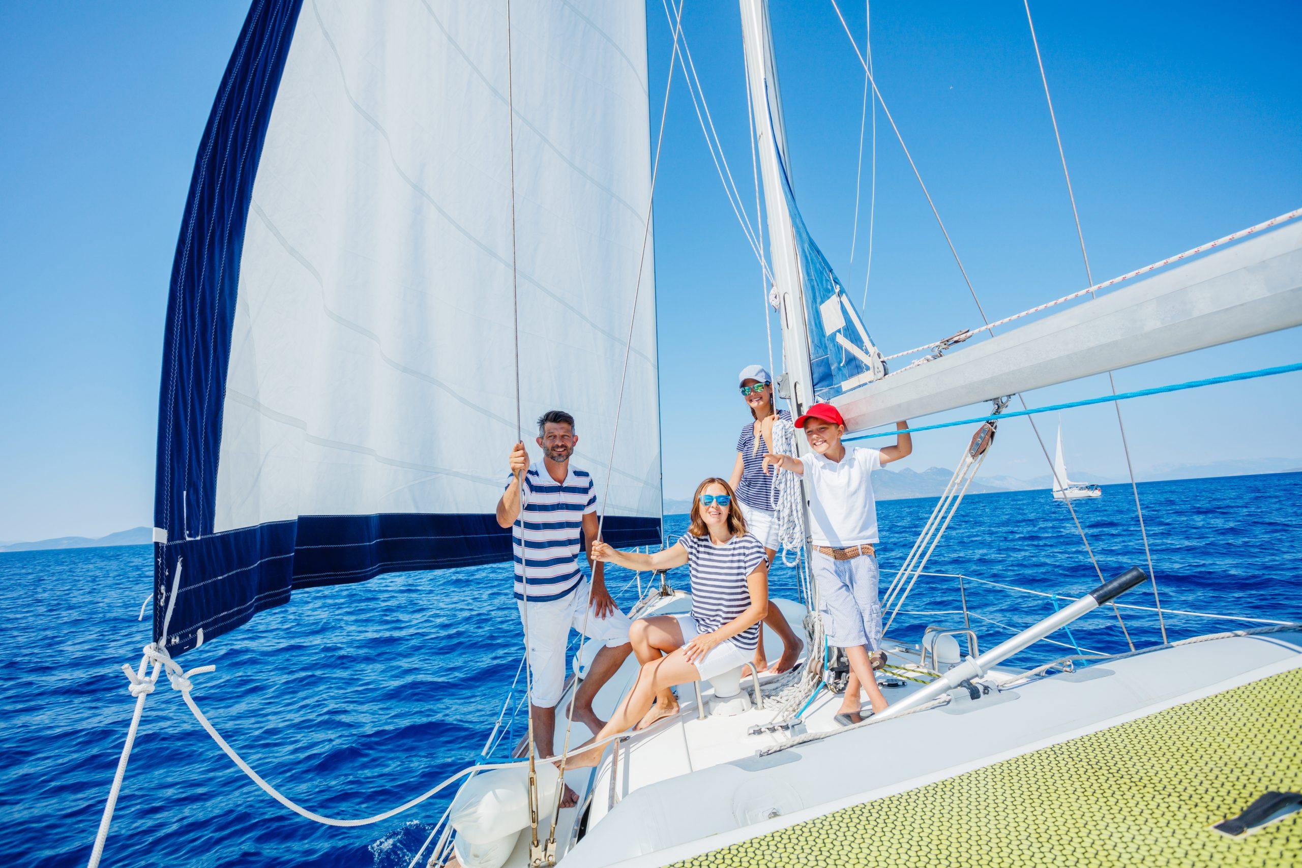 Vacaciones en familia por Ibiza Charter en familia por Formetera Velero en familia por Formentera Semana en familia por la costa blanca