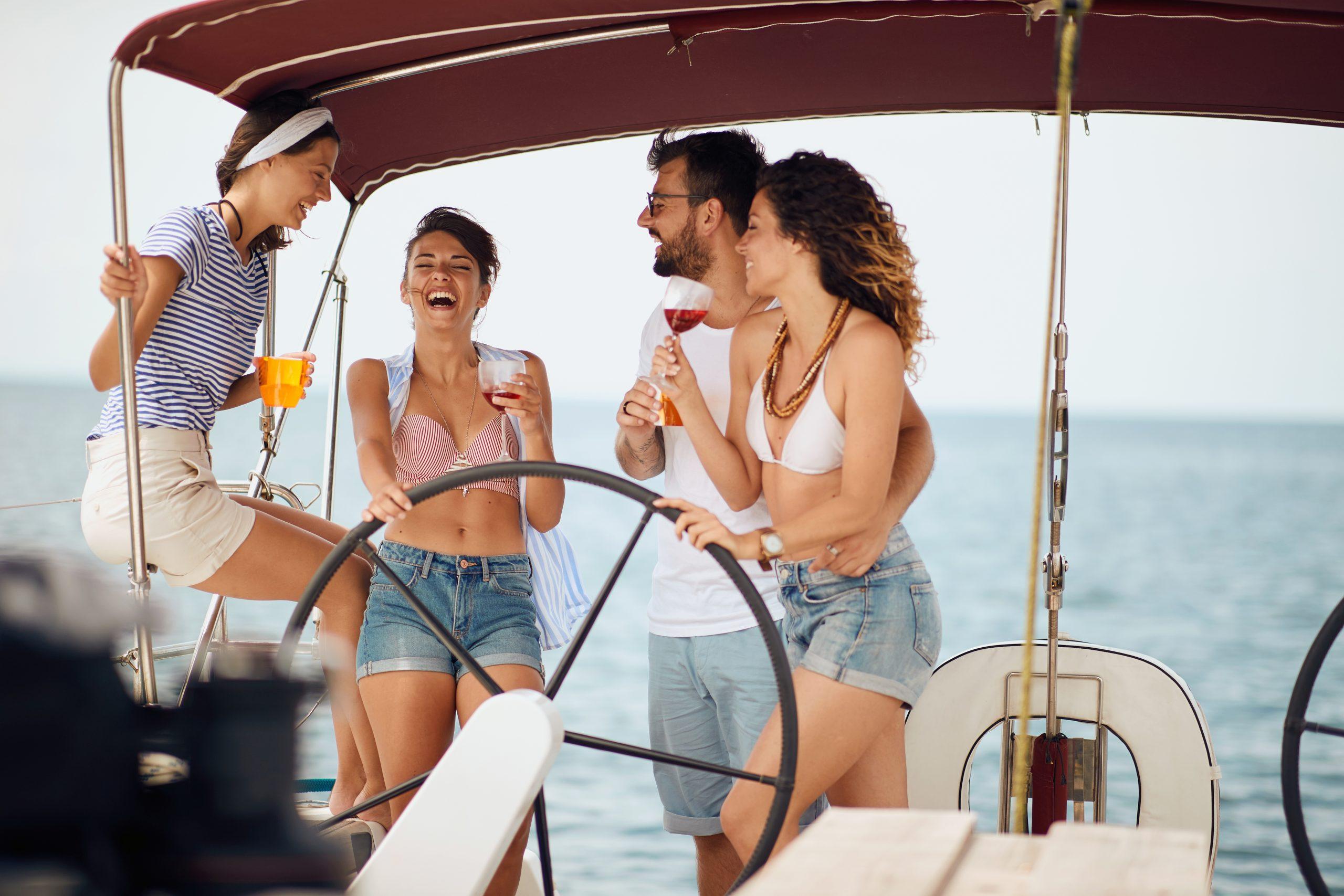 Charter con amigos en Formentera Travesía Denia Formentera para singles Crucero por Formentera para singles